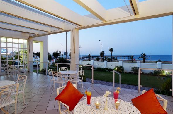 Beach Hotel Hobie Beachfront Port Elizabeth Enjoy Sundowners On The Veranda